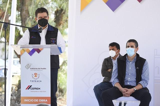 CEMEX y gobierno del estado de Puebla inician obra de repavimentación en Tepeaca