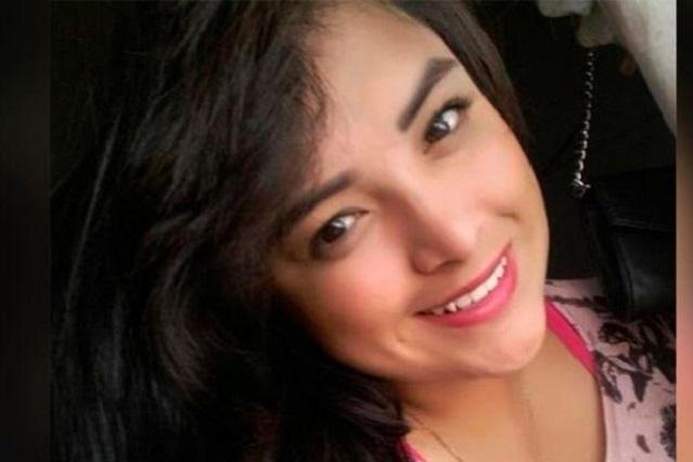 La hermana de la quinceañera Rubí tiene 20 años y es regidora