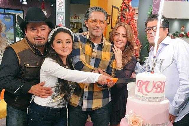 ¡Está Feliz! Televisa convence a Rubí que actúe en La Rosa de Guadalupe