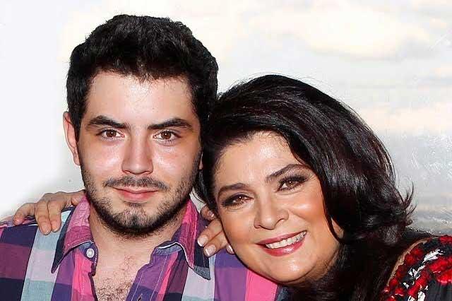 José Eduardo Derbez aclara si bloqueó a Victoria Ruffo de redes sociales