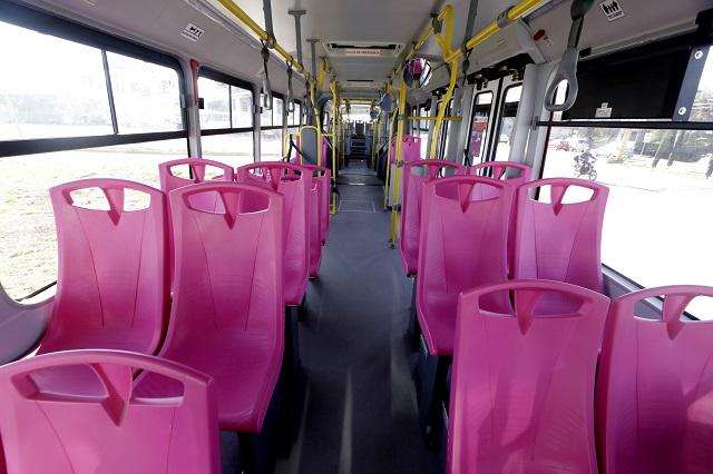 Habilitan unidades del Metrobús exclusivas para mujeres