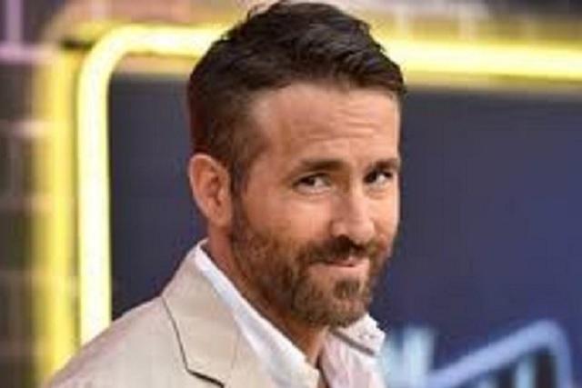 Actor Ryan Reynolds felicita a su esposa por su cumpleaños