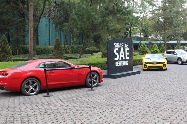 Recauda el SAE 28.5 mdp en subasta de autos de lujo