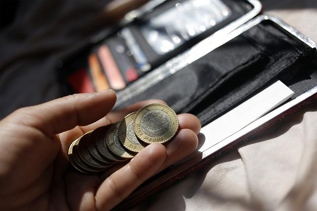 En lugar de avanzar, cae salario de trabajadores poblanos: Ibero