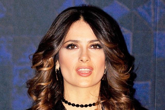 Salma Hayek niega coartar la libertad de expresión de Jessica Williams