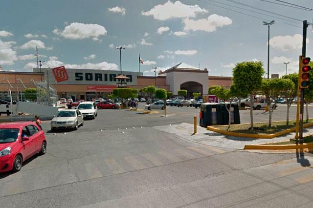 Hombres armados asaltaron Soriana sucursal Torrecillas