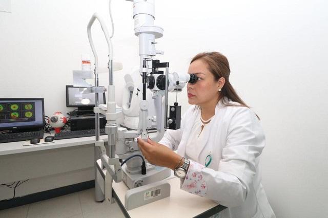 Salud recibe equipo para el primer Banco de Ojos en Puebla