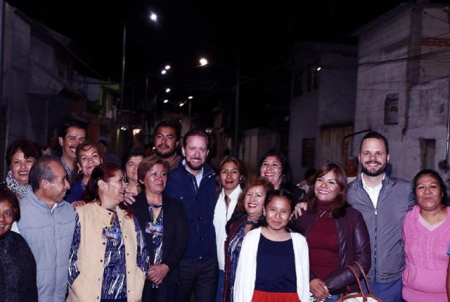 Banck entregó en colonia El Salvador una nueva vialidad pavimentada