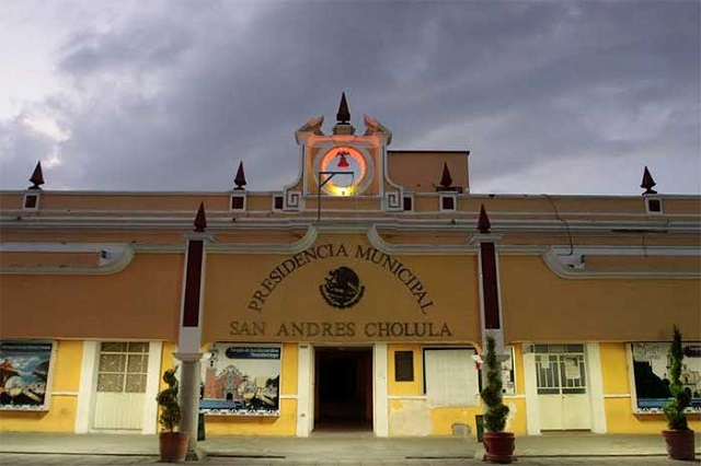 Evita San Andrés Cholula aclarar permisos de casa del hermano de Biestro