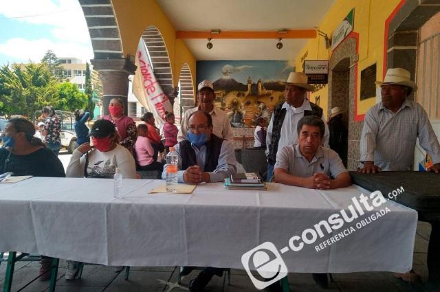 """Rompen candados y """"recuperan"""" alcaldía en San Nicolás"""
