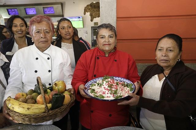 Feria del Chile en Nogada en San Nicolás de los Ranchos, todo agosto