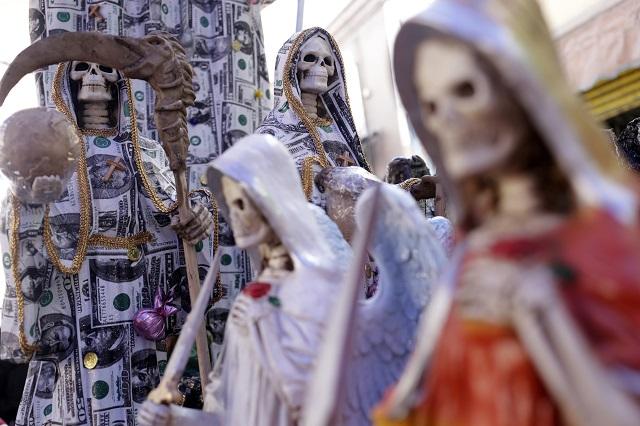 Genaro García Luna, un devoto de La Santa Muerte, revelan