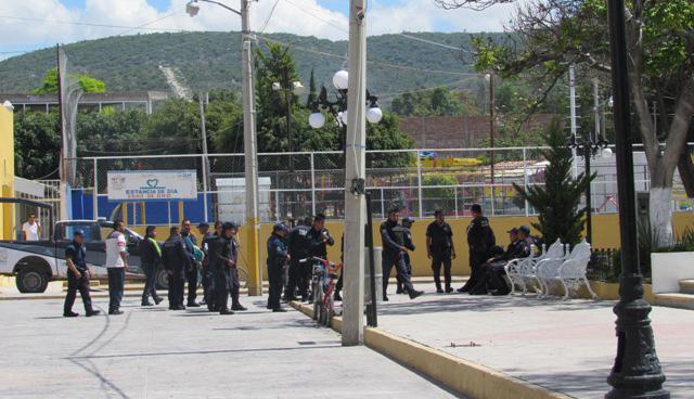 Renuncian todos los policías de Miahuatlán por falta de pago