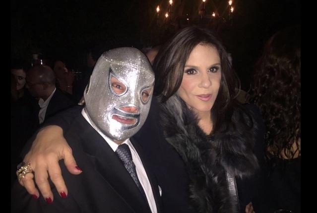 Hijo del Santo se quita la máscara pero gana demanda a Triple AAA