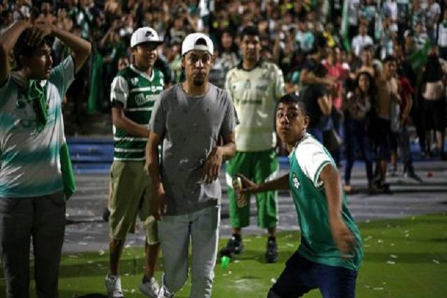 Miles festejan el sexto título de Santos y ocasionan disturbios