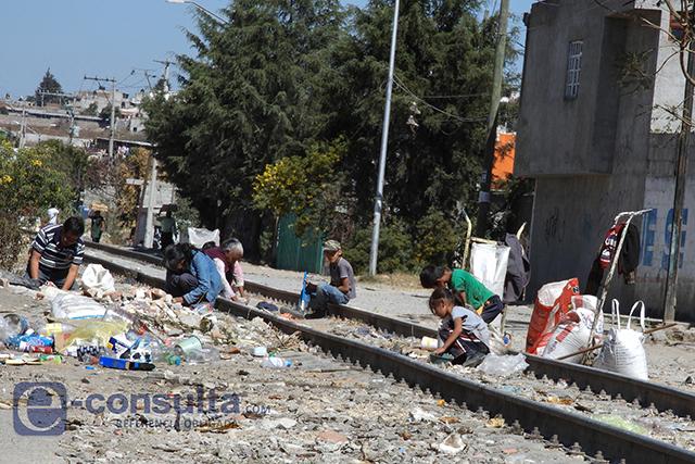 Saquean tren que transportaba trigo, en San Pablo Xochimehuacan