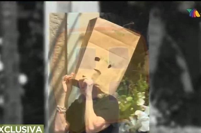 Video: Captan a Sara Salazar con bolsa de papel en la cabeza
