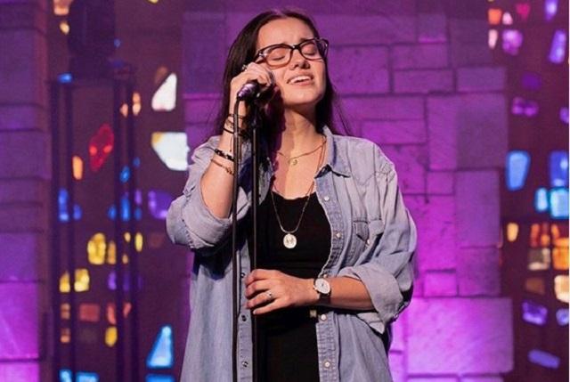Sarita Sosa reaparece para mostrar su talento vocal