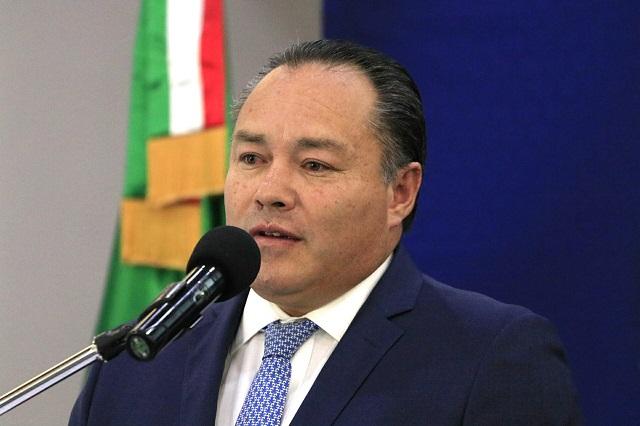 Acusan a ex contralor de congelar denuncia contra Gerardo Islas