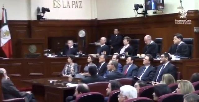 Corte congela Ley de Remuneraciones e impide que bajen sueldo a funcionarios