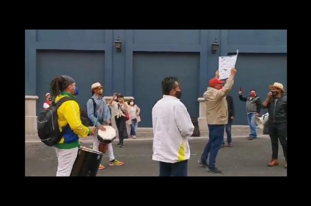 Protestan artistas por freno a eventos culturales en Puebla