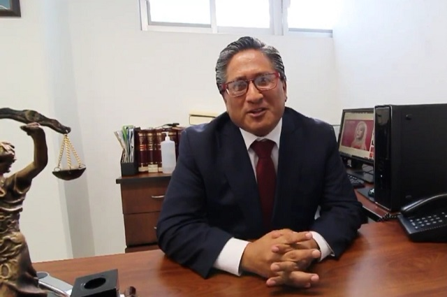 Buscan 300 primeros amparos contra nuevas placas en Puebla