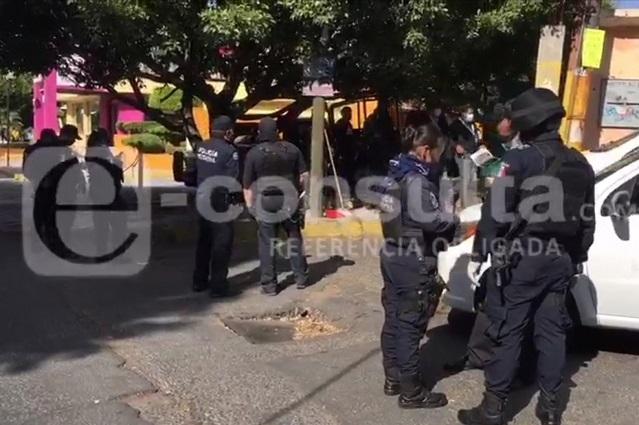 Decomisan pruebas Covid que se vendían en calles de Puebla