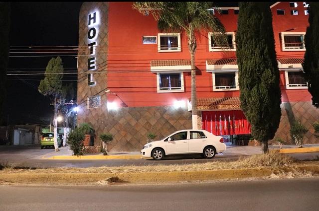 Hombre muere de un infarto en hotel de Arboledas de Loma Bella
