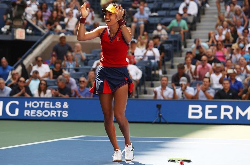 Emma Raducanu termina con su coach tras coronarse en el US Open