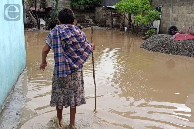 Se inunda tianguis de Atlixco, exigen colector pluvial
