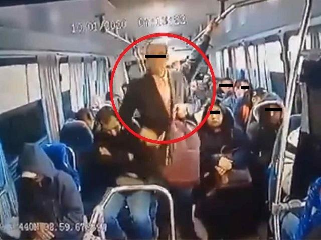 Se viste de traje para camuflarse y asaltar autobús