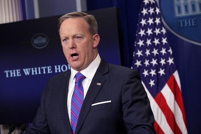 Sean Spicer se disculpa por comentarios sobre ataque químico en Siria