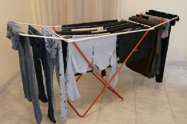 Revelan los peligros que corremos si tendemos la ropa dentro de la casa
