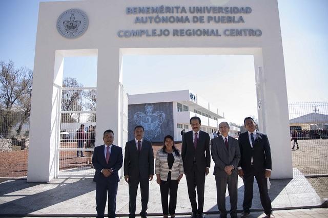 Inaugura rector Esparza campus BUAP en San Salvador El Seco