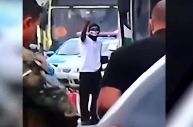Policía brasileña mata a secuestrador de autobús y libera a rehenes