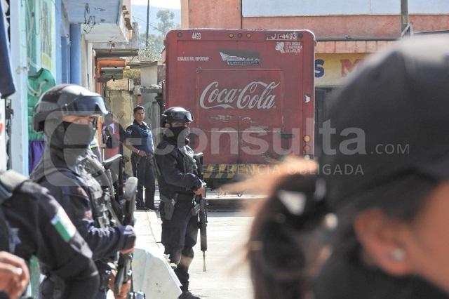 Secuestran camión y a repartidores de Coca Cola en Mercado Morelos