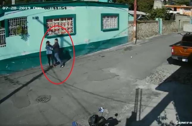Graban intento de secuestro de una joven en Xochimilco