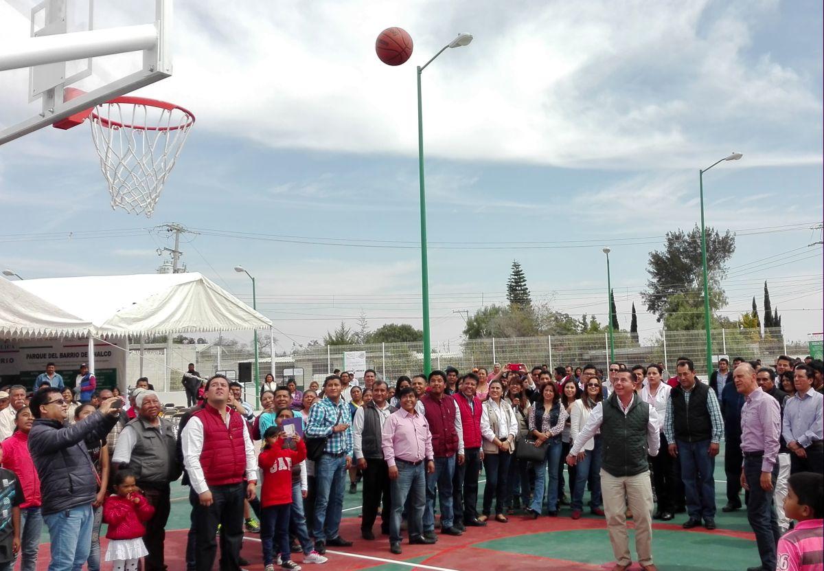 Sedatu inaugura en Tecali parque con inversión de 4 mdp