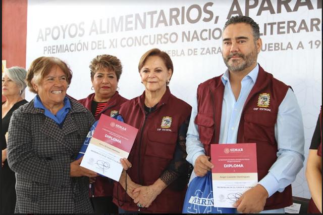 """SEDIF entrega apoyos a adultos mayores de la """"Casa del Abue"""""""