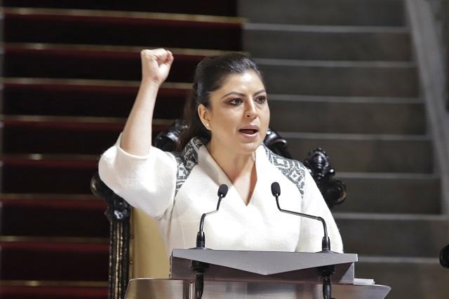 Colaboración, no subordinación, ofrece Claudia Rivera a Barbosa