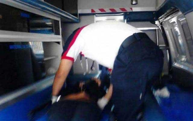 Mujer da a luz en ambulancia tras visitar Villa Iluminada de Atlixco