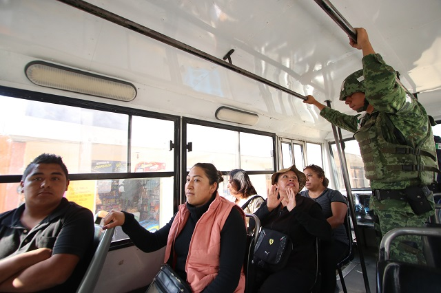 El Ejército ya vigila unidades del transporte público en Puebla