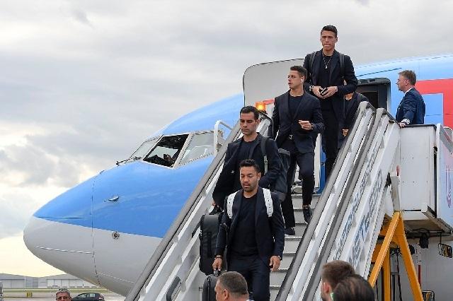 Aterriza el Tri en Rusia y ya se burlan de ellos con fracaso, escorts y fiesta