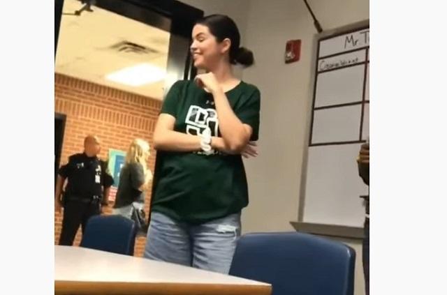 Video: Selena Gómez hace visita sorpresa a estudiantes en Texas