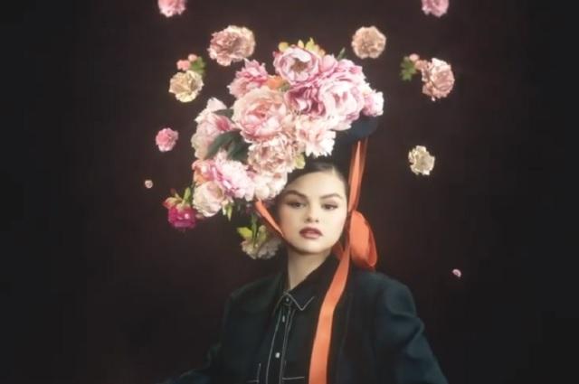 Selena Gomez estrena Revelación, su nuevo EP en español