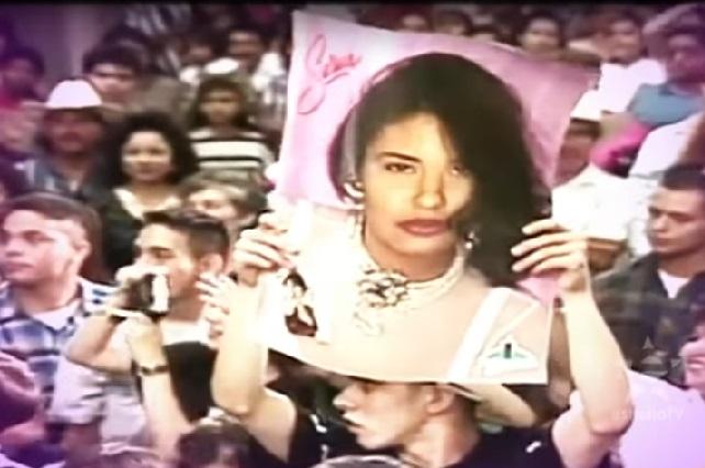 Así fue el homenaje a Selena Quintanilla en los Latin Grammy