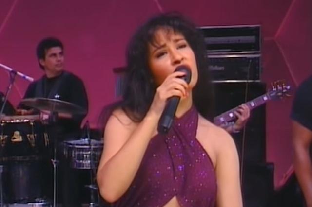 Selena Quintanilla inspira una nueva colección de MAC