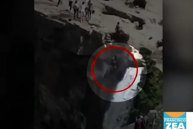 Hombre quiso tomarse peligrosa foto y video muestra su espeluznante muerte
