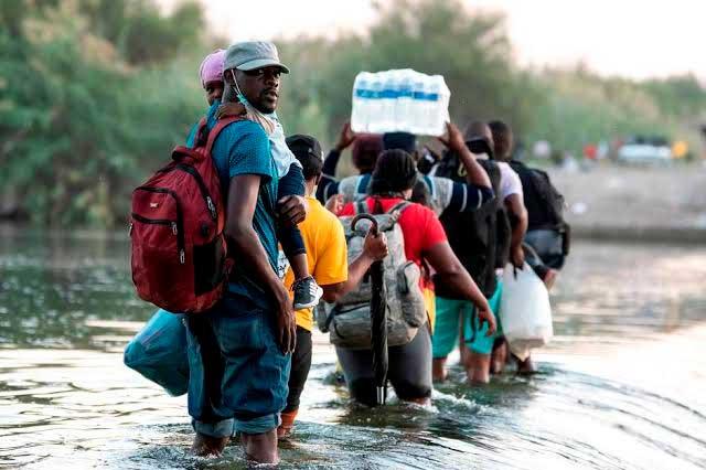 Encuentran 10 cuerpos de migrantes haitianos en selva de Panamá