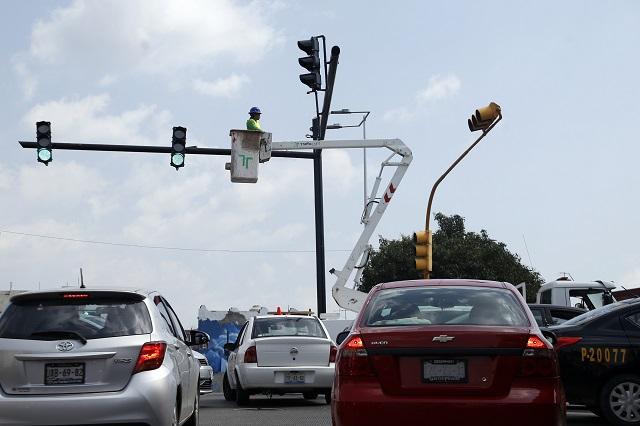 Ha invertido Ayuntamiento de Puebla 13 mdp en red de semáforos